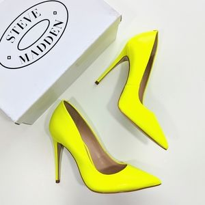 Steve Madden Daisie Lime Pointed Toe Pump Size 6